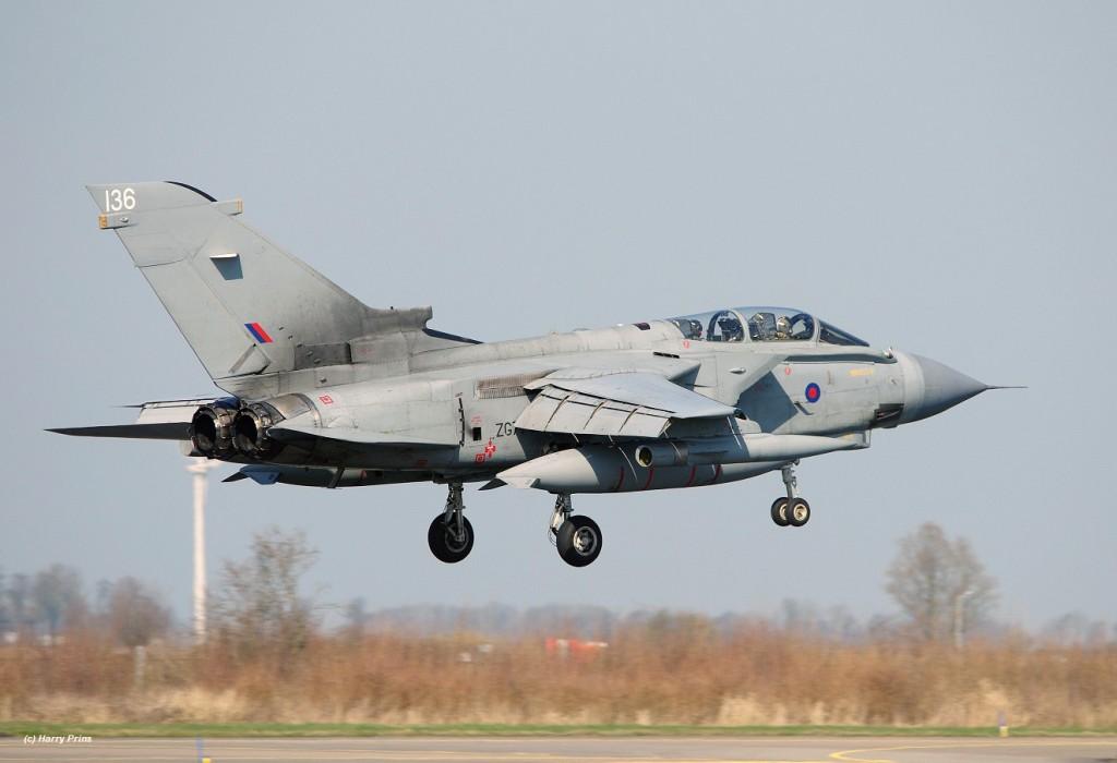 ZG779_136_TornadoGR4_MarhamWing_RAF_LWD_FF_arr_23mar17_HPrins5X