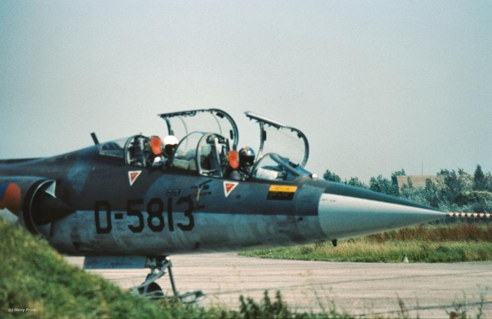 D-5813_322323sq_LWD_1980_cockpit_HPrins1XZ