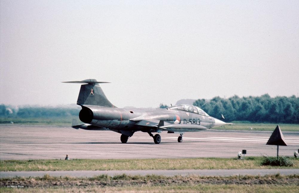 D-5813_322323sq_LWD_1980_cockpit_HPrins3xZ